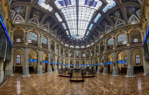 Valores del Ibex en el Palacio de la Bolsa de Madrid.