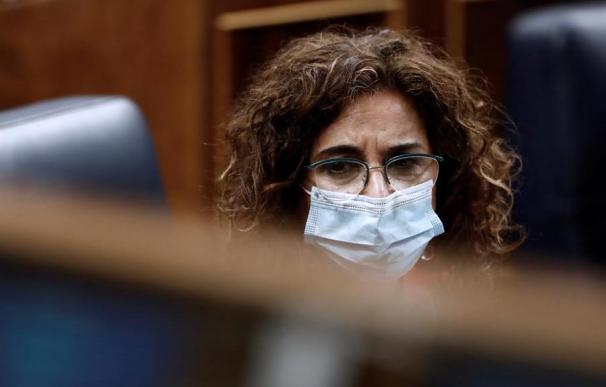 La ministra de Hacienda, María Jesús Montero, ayer en el Congreso.
