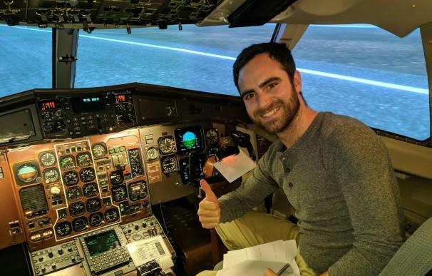 Adrian Ambrosio, piloto de Vueling