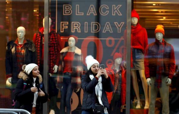 ¿Engaño o autosugestión? Por qué las ofertas que nos atraen del Black Friday no son rebajas