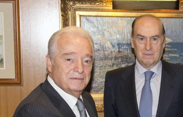 Carlos Martínez Echavarría, a la izquierda, junto a Florencio Lasaga