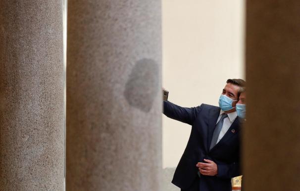 Carlos Torres se hace un selfie en la Fundación Cecotec tras el anuncio de la venta de BBVA USA.