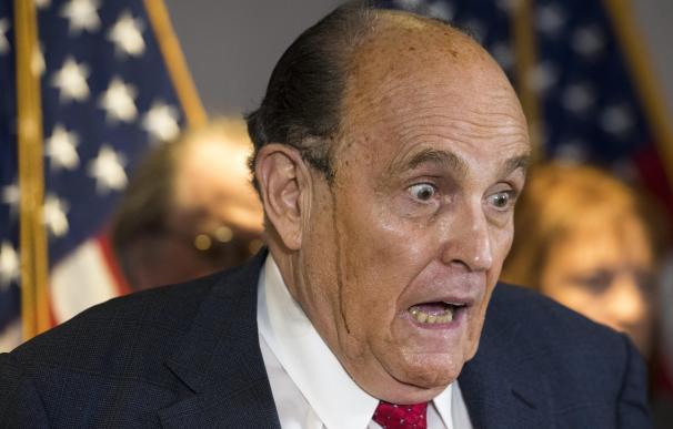 Un encendido Rudy Giuliani asegura que existe un plan a nivel nacional para sacar a Trump de la Casa Blanca