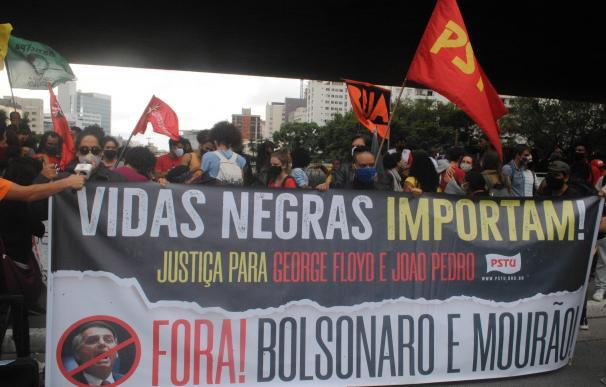 Las protestas estallan en Brasil tras la muerte violenta de un hombre negro.