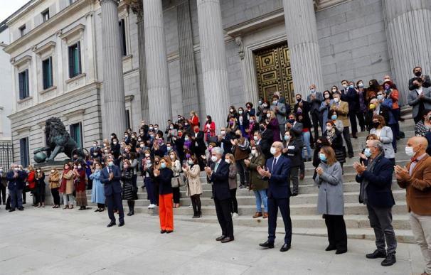 Acto en el Congreso para homenajear a las víctimas de violencia de género