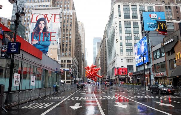 Un Nueva York vació asistió al desfile tradicional de Macy's por Acción de Gracias.