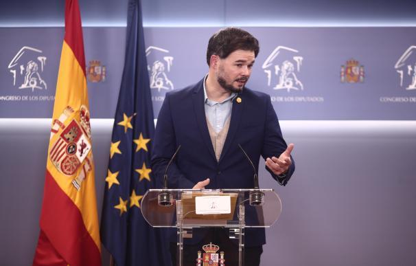 El portavoz de ERC en el Congreso, Gabriel Rufián, interviene en una rueda de prensa.