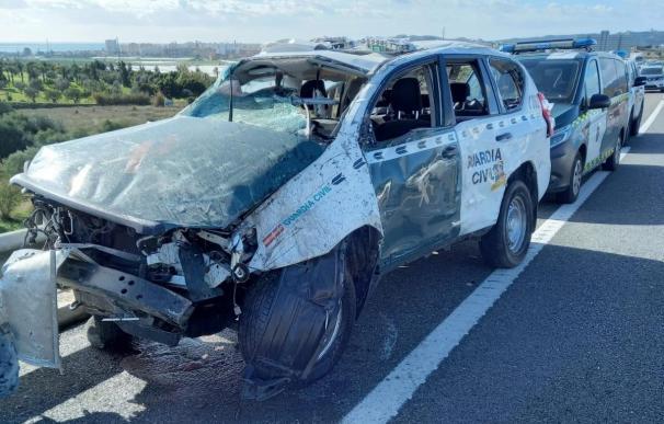 Coche patrulla embestido en Vélez-Málaga