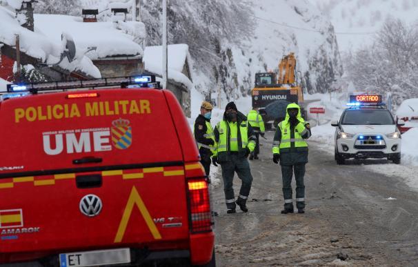 La UME se sumó a bomberos, Guardia Civil y todo tipo de rastreadores este sábado.