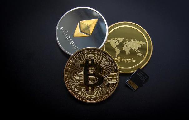 El mercado de criptomonedas alcanza el billón de dólares con el rally del Bitcoin