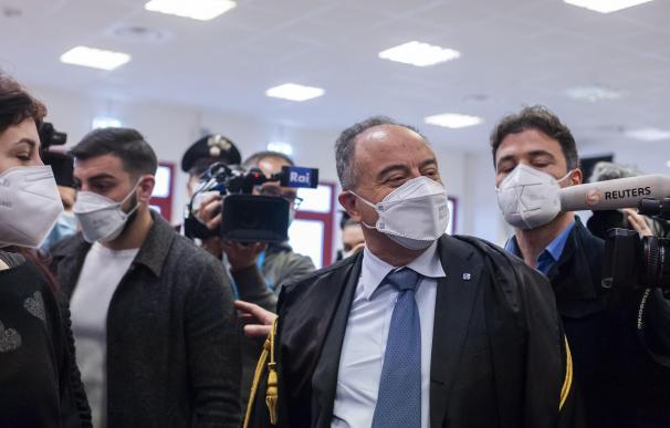 El fiscal Nicola Gratteri llega al búnker construido para alojar el juicio de más de 300 presuntos miembros de la 'Ndrangheta, la mafiamultinacional