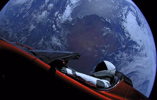 El Tesla Roadster que SpaceX lanzó al espacio en 2018.