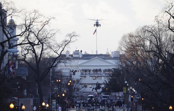 Marine One aterriza en la Casa Blanca para llevar al presidente saliente de Estados Unidos, Donald J. Trump, a la base conjunta Andrews antes de la ceremonia inaugural del presidente electo Joe Biden.