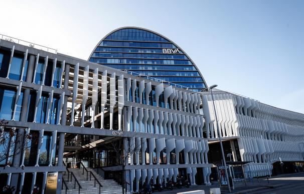BBVA gana 1.305 millones en 2020 y pagará un dividendo de 0,059 euros