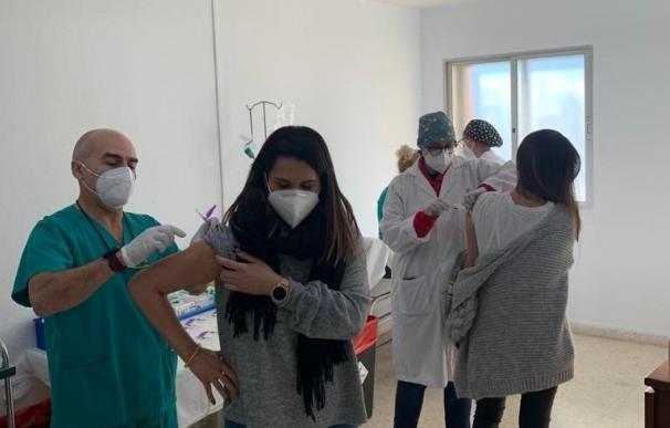 Vacunación contra el Covid en el hospital Virgen del Rosell de Cartagena SMS 14/1/2021