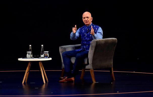 Jeff Bezos, fundador de Amazon, durante una conferencia en la India a principios de 2020.