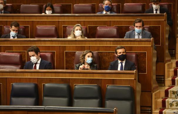 El secretario general del PP, Teodoro García Egea; la portavoz el Grupo Popular, Cuca Gamarra; y el líder del PP, Pablo Casado.