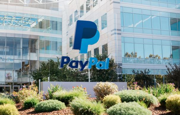 Acceso principal de las oficinas centrales de PayPal en San José (California).
