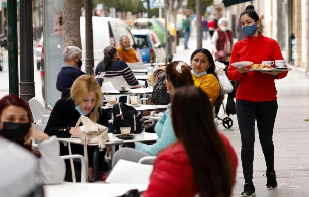 Restaurante coronavirus mascarilla Murcia España