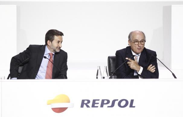 Josu Jon Imaz, CEO de Repsol, y Antonio Brufau, presidente de Repsol