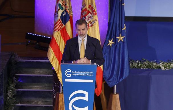 """19/02/2021 Su Majestad el Rey, Felipe VI, durante la clausura de la V Cumbre Emprsarial de Aragón. El Rey Felipe VI ha manifestado que la internacionalización de la economía española """"va a ser de nuevo, como ya ocurrió en la crisis económica de 2008, uno de los grandes motores de recuperación"""", tras la crisis generada por la pandemia del coronavirus SARS-CoV-2. ESPAÑA EUROPA ARAGÓN ECONOMIA EUROPA PRESS-FABIÁN SIMÓN"""