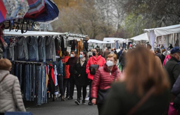 Madrid coronavirus mascarilla mercado compras