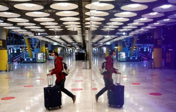 Aeropuerto Barajas Madrid mascarilla coronavirus