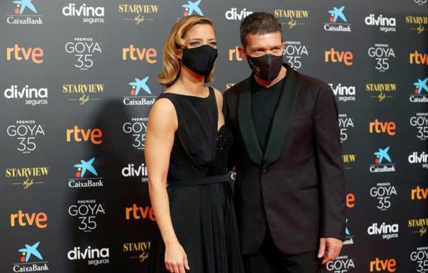 Banderas y Casado, presentadores de los Goya 2021