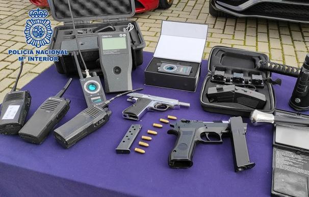 Alijo de armas encontrado al desarticular la mayor red de distribución de cocaína de Madrid.