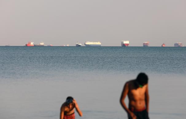 Vista del buque varado Ever Given, este jueves en Ismailía, Egipto.