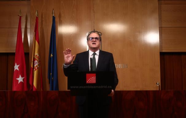 El portavoz del PSOE, Ángel Gabilondo, comparece en rueda de prensa después de una reunión de la Junta de Portavoces de la Asamblea de Madrid tras el anuncio regional de la convocatoria de elecciones, en Madrid (España), a 10 de marzo de 2021. La reunión ha tenido lugar después de que en la Mesa de la Asamblea salieran adelante las mociones que presentaron esta mañana Más Madrid y PSOE gracias al apoyo de Cs, justo después de que desde el Gobierno regional hayan anunciado los ceses de todos los consejeros de la formación 'naranja' que forman parte del Ejecutivo tras anunciar la convocatoria de elecciones para el 4 de mayo. Eduardo Parra / Europa Press 10/3/2021