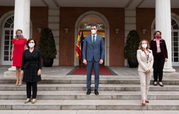 Sánchez diseña un Gobierno continuista y espera a que Díaz despeje su liderazgo
