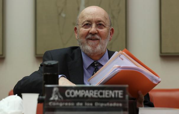 El presidente del Centro de Investigaciones Sociológicas, José Felix Tezános, comparece en la Comisión Constitucional del Congreso de los Diputados para explicar la metodología del barómetro de abril, que fue cuestionado por la redacción de una de sus preguntas sobre los bulos. En Madrid (España), a 19 de mayo de 2020. 19 MAYO 2020;COVID-19;ENCUESTA;BARÓMETRO;POLÍTICA;ESTIMACIONES Pool (Foto de ARCHIVO) 19/5/2020
