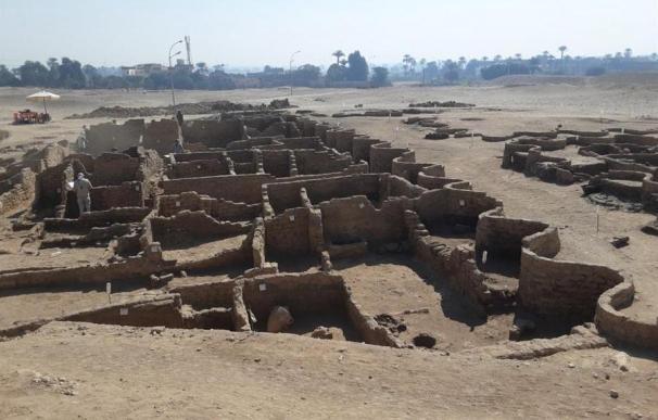 Descubrimiento ciudad en Luxor