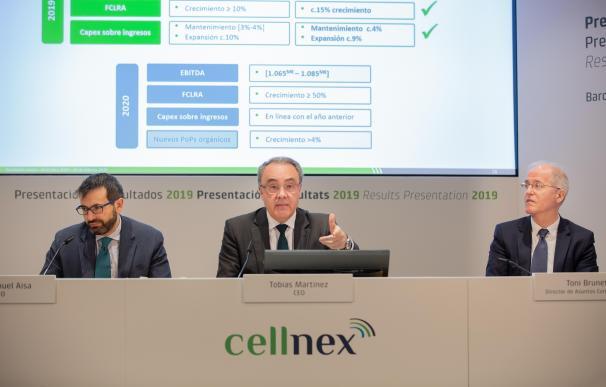 (I-D) El director de Finanzas y Desarrollo Corporativo de Cellnex, José Manuel Aisa, el CEO de Cellnex Telecom, Tobías Martínez, y el director de Asuntos Públicos y Corporativos, Toni Brunet.