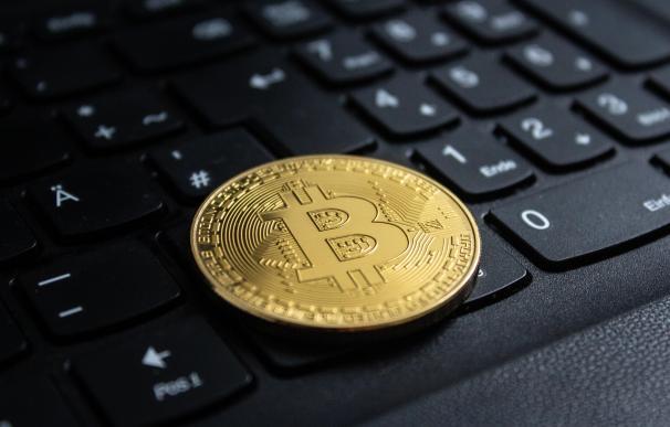 A finales del mes de abril de 2021, un bitcoin equivale a más de 40.000 euros