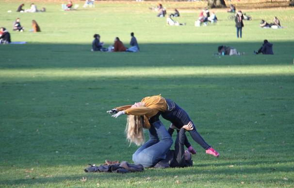 personas disfrutando en Central Park