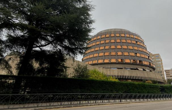 Fachada del edificio del Tribunal Constitucional de España