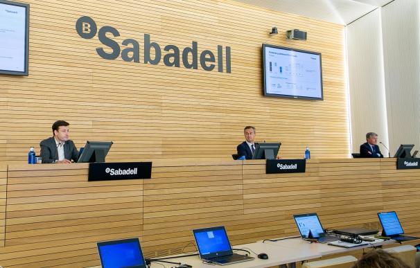 La nueva cúpula del Sabadell, en la presentación de resultados.