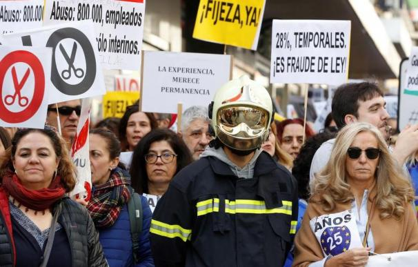 Los trabajadores públicos temporales se movilizan y ahora plantean una huelga