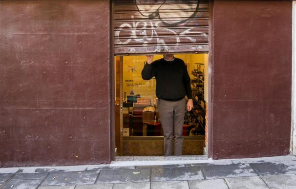 Un autónomo echa el cierre a su negocio