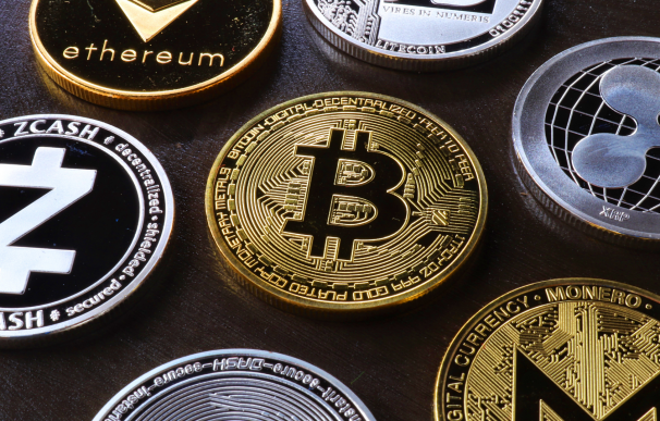 Bitcoin, ether y otras criptomonedas.