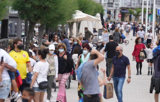 Las calles de Castro Urdiales llenas de gente este domingo H.BILBAO/EUROPA PRESS 9/5/2021