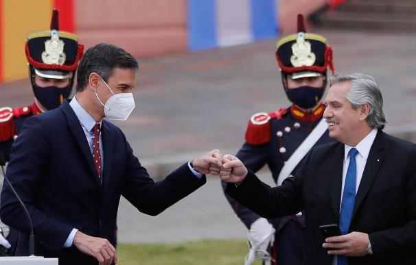 Alberto Fernández hizo una polémica declaración durante la visita a Argentina de Pedro Sánchez