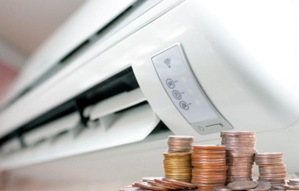 El consumo del aire acondicionado puede suponer más de 200 euros al mes.