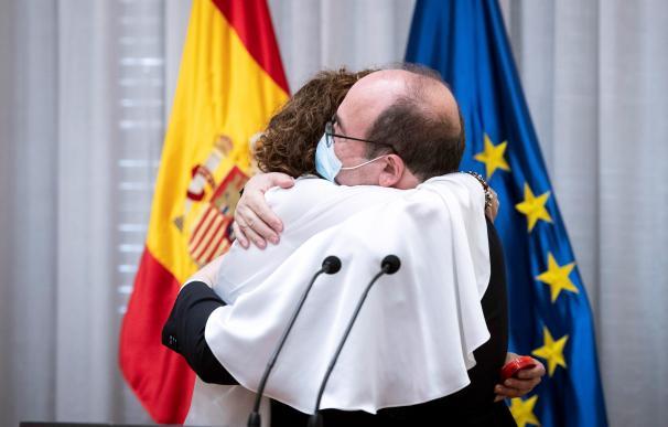 La ministra de Hacienda y Función Pública, María Jesús Montero, tras recibir la cartera de Función Pública de manos de su antecesor en el cargo, Miquel Iceta.