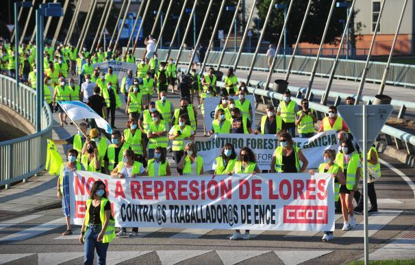 Manifestación de los trabajadores de Ence tras la resolución judicial de la semana pasada.