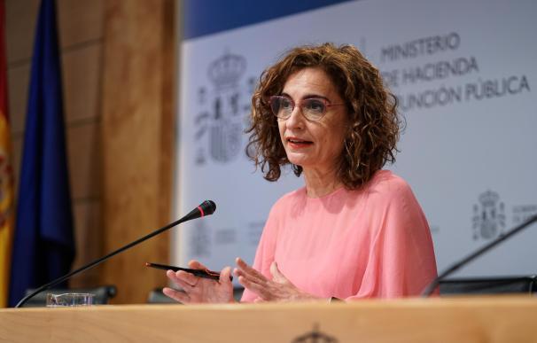 La ministra de Hacienda y Función Pública, María Jesús Montero, ofrece una rueda de prensa tras presidir la Conferencia Sectorial del Plan de Recuperación, Transformación y Resiliencia.