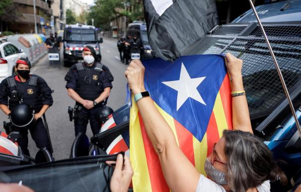 Concentración frente al consulado de Italia en Barcelona