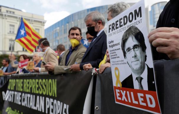 Puigdemont queda en libertad pero no puede abandonar la isla de Cerdeña